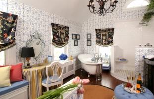 English Suites gigantic bath