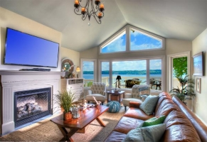 Amazing views of Skaneateles Lake from comfortable living room